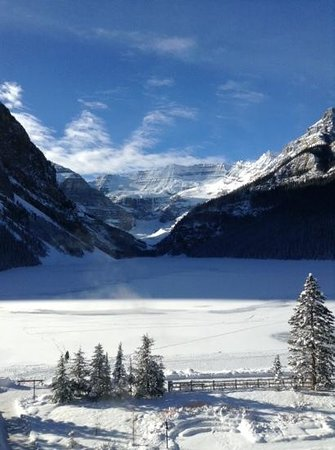 Fairmont Chateau Lake Louise: The view from room 381