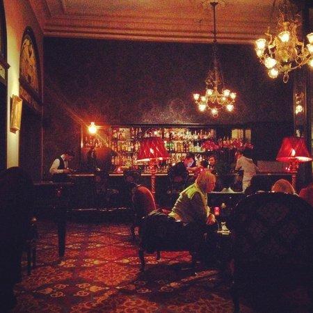 Orient Bar