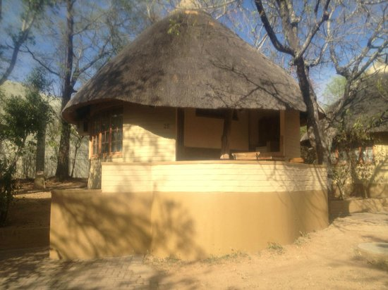 Skukuza Rest Camp: Rondel with open air kitchen