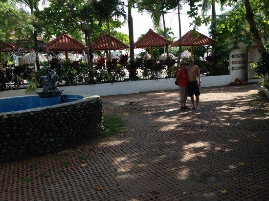 Bay View Hotel : courtyard
