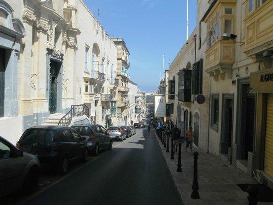 The Malta Experience: Узкие улочки