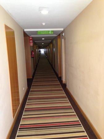 H10 Salauris Palace : corridor