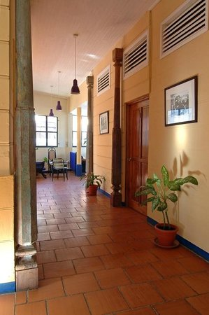 Hotel La Dolce Vita: pasillos