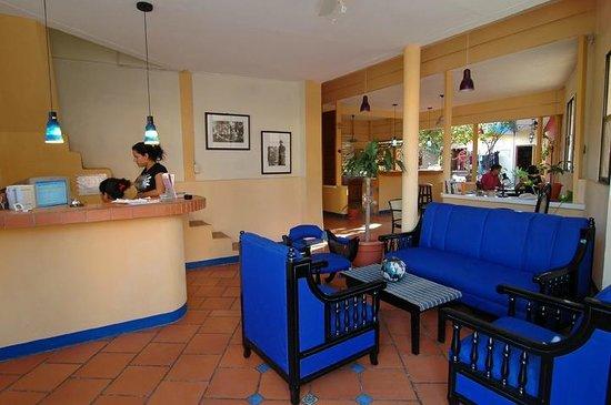 Hotel La Dolce Vita: recpcion