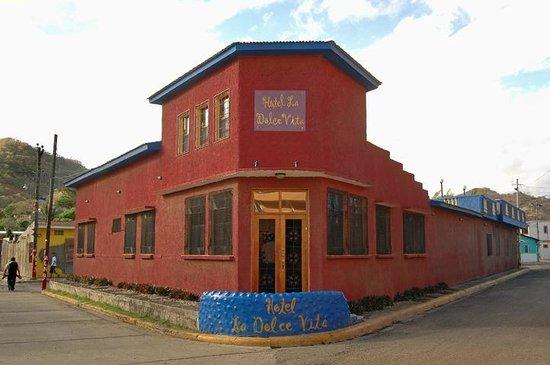 Hotel La Dolce Vita: desde afuera