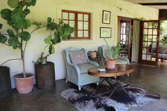 Halstead Farm : Ons appartement - terras