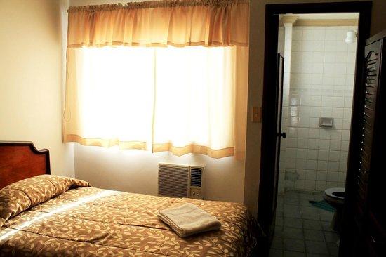 Hotel La Sierra: apartamento com banheiro