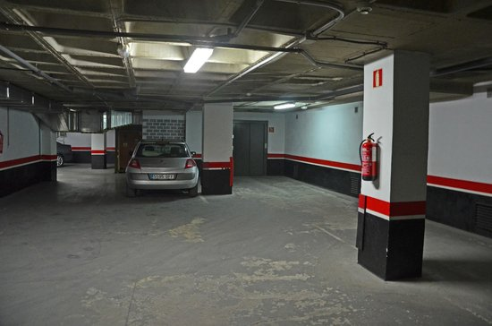 NH Cartagena: Car park