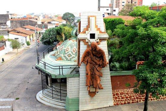 Hotel La Sierra: vista para rua de frente