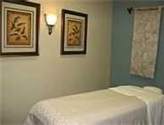 Libertyville, IL: Massage Rooms
