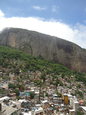 Exotic Tours : View to the top of Rocinha