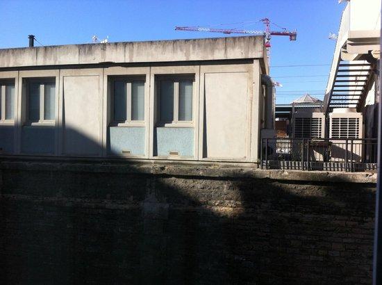 Ibis Lyon Centre Perrache: Vistas desde la ventana