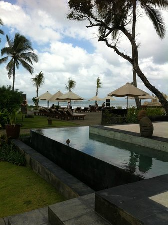 The Seminyak Beach Resort & Spa: На территории отеля