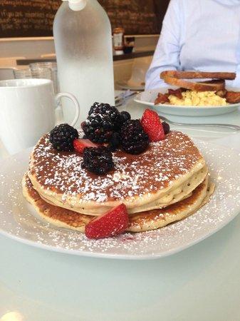 Hangar B Eatery : pancakes
