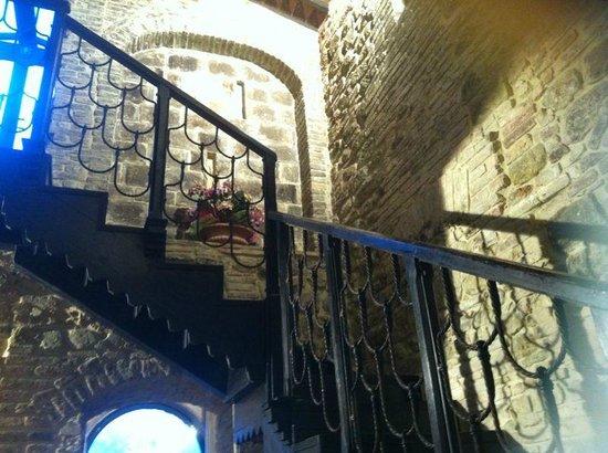 Castello di Monterone: scala interna