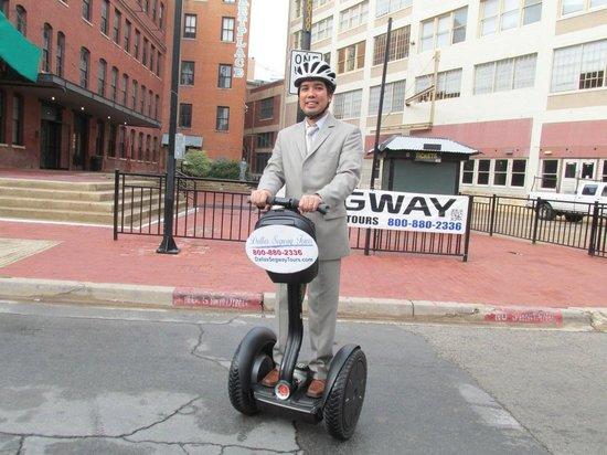 Dallas Segway Tours : I'm on a segway!