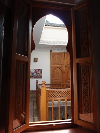 Riad Radia : Window into courtyard