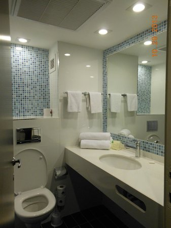 Leonardo Club Hotel Tiberias: Bathroom