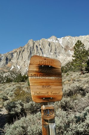 Convict Lake : No wheels in the wilderness