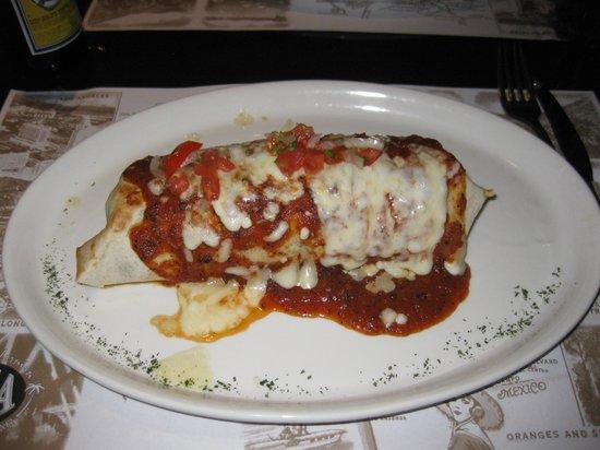 Soca Restaurant & Bar: Burrito de pollo
