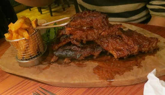 The Foresters Pub and Restuarant: Apparently the best ever ribs!