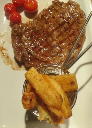 The Foresters Pub and Restuarant: Perfectly cooked steak