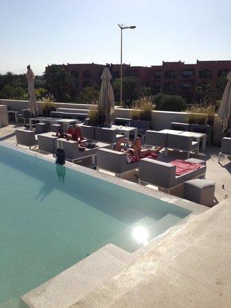 César Resort & Spa : piscine du skybar