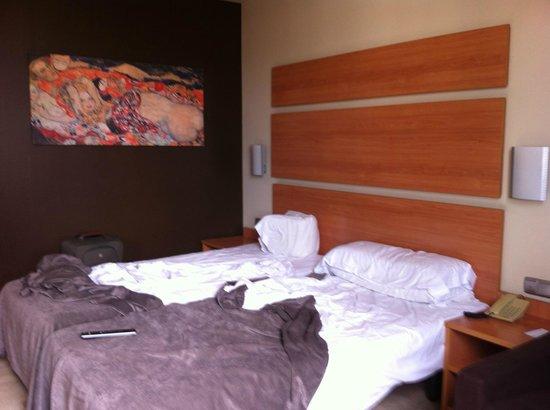 Hotel SB Express Tarragona: Habitación / Room