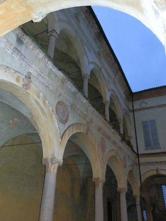 Castello di Rivalta: cortile interno