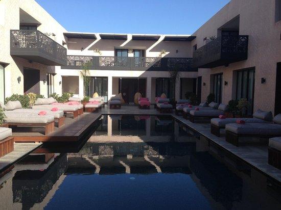 Cesar Resort & Spa: vue piscine