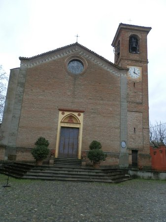 Castello di Rivalta : chiesa borgo