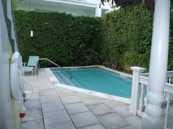 Avalon Bed and Breakfast: Pool
