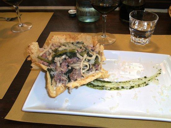Osteria Numero Uno : Umbrichelli numero uno: cosa vi viene mente guardando la composizione del piatto???