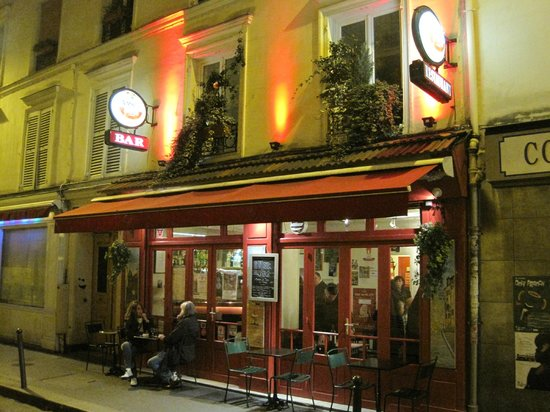 Photo of French Restaurant La Midinette at 2 Rue Robert Planquette, Paris 75018, France