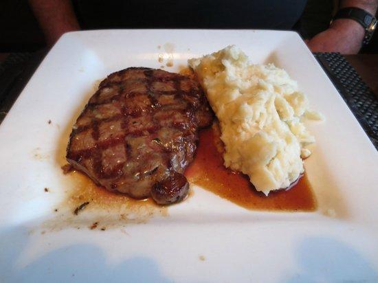 Lancaster Brewing Company Harrisburg: Steak  with mash potatoes