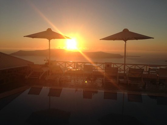 Regina Mare Hotel : Sunset at the Hotel