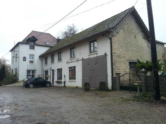 L'Auberge du Moulin d'Audenfort : Devanture de l'auberge