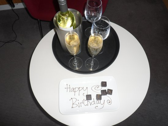 DoubleTree by Hilton Hotel London -Tower of London: happy birhday!