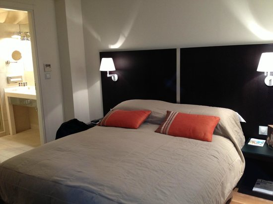 O&B Athens Boutique Hotel: modern and stylish bedroom