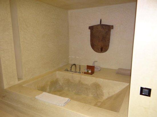 Hôtel Dar Sabra Marrakech : La baignoire double