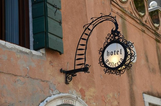 Hotel Galleria : Even the sign for the hotel was charming.