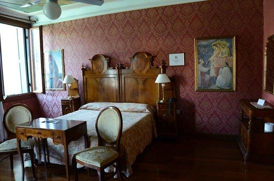 Hotel Galleria : Our room (#10)