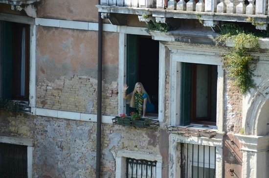 Hotel Galleria: View from Accademia Bridge of me waving from our room (#10)