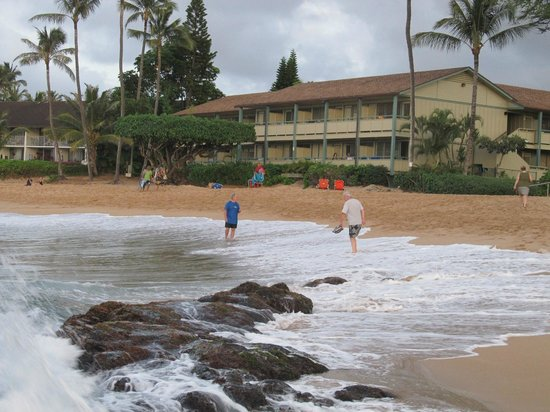 The Napili Bay: The hotel from the beach.
