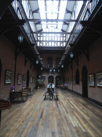 Astor House Hotel: Arts and Crafts style mock Tudor hallway, with hotel museum