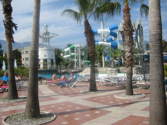 Limak Limra Hotel : Pool area