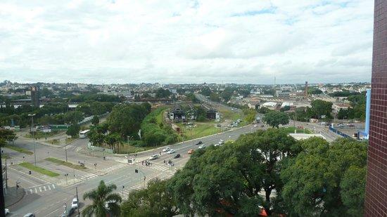 Lizon Curitiba Hotel: vista do quarto