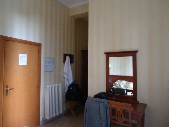 Hotel Moderno: chambre