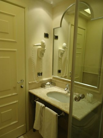 Starhotels Tuscany: salle de bains
