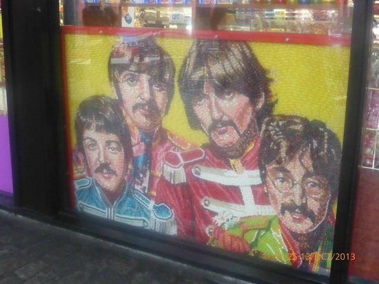 Hilton Liverpool City Centre: In a Shop window